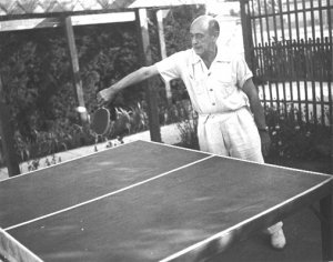 Arnold Schönberg kotioloissa.