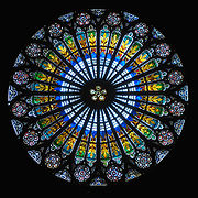 Strasbourgin katedraalin ruusuikkuna