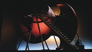 Anish Kapoorin lavastusta oopperaan Pellèas et Mèlisande. Kuva: Wired