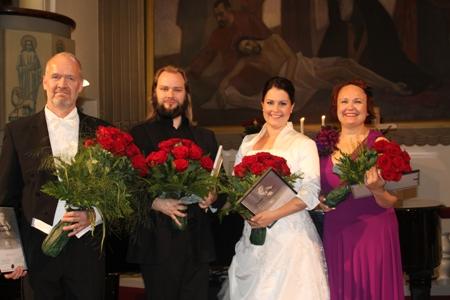 Palkitut kuvassa vasemmalta: Juhani Alakärppä (1. palk.), Petteri Lehikoinen (tunnutstuspalkinto), Ilona Jokinen (3.palk.) ja Leena Liimatainen (2.palk.)
