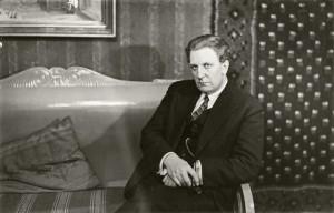 Pianisti, säveltäjä Ernst Linko. Kuva Pietinen, 1930. (c) Museovirasto.
