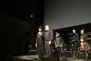 Steve Reich, kapellimestari Brad Lubman, Ensemble Modern ja Synergy Vocals