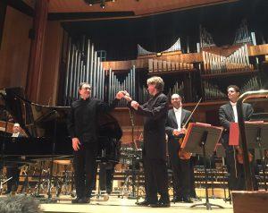 Pierre Laurent Aimard ja Esa-Pekka Salonen olivat elementissään Ligetin pianokonserton parissa. Kuva © Jari Kallio