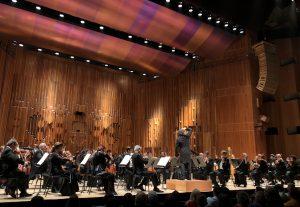 Los Angelesin filharmonikot ja Gustavo Dudamel Barbicanissa keskiviikkoiltana. Kuva © Jari Kallio.