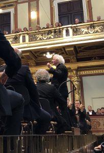 Berliinin filharmonikot ja Sir Simon seikkailulla Brahmsin maailmoissa. Kuva © J. Kallio