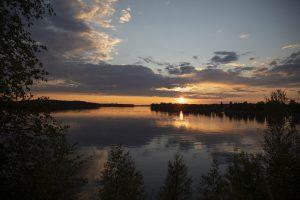 Auringonlasku Lammasjarvella. Kuva © Stefan Bremer