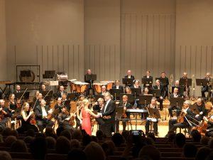 Essi Höglund ja Atso Almila Sibeluksen viulukonserton jälkitunnelmissa