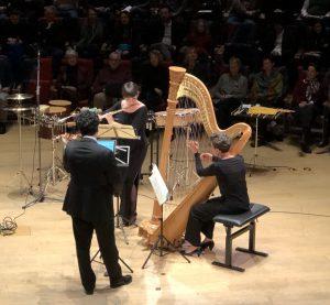 Claudia Stein, Michael Barenboim ja Aline Khouri Debussyn sonaatin parissa Boulezsaalissa. Kuva: Jari Kallio