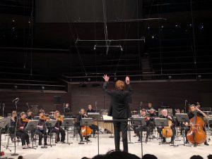 Ensemble InterContemporain ja Enno Poppe Musiikkitalossa lauantaina. Kuva: Jari Kallio