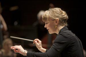 Susanna Mälkki. Kuva © HKO/Stefan Bremer.