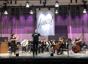 Ligetin viulukonserton harjoitukset Taidetehtaalla perjantaina. Kuva: Jari Kallio