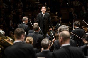 François-Xavier Roth ja Berliinin filharmonikot. Kuva: Stephan Rabold