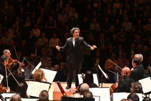LA Phil ja Dudamel Brucknerin neljännen sinfonian parissa Barbicanissa. Kuva: Mark Allan / Barbican