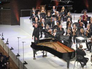Olli Mustonen, RSO ja Hannu Lintu Bartókin pianokonserton jälkeisissä tunnelmissa Musiikkitalossa keskiviikkona