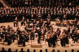 Beethovenin Kristus Öljymäellä Elbphilharmoniessa Sir Simon Rattlen johdolla. Kuva: Daniel Dittus